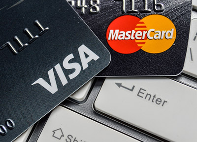 Thẻ visa hoặc master card