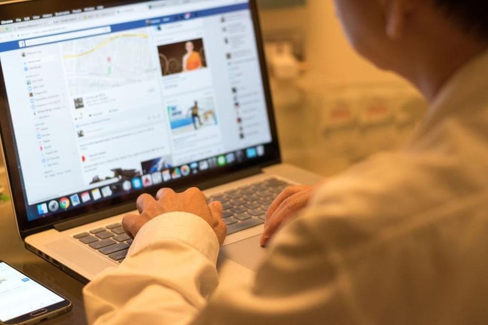 Facebook Cấm Nhà Phát Triển Ứng Dụng