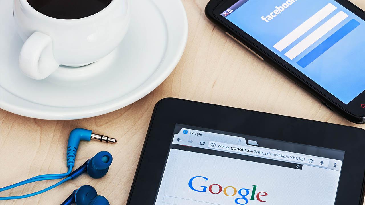 Gmail và tài khoản Facebook