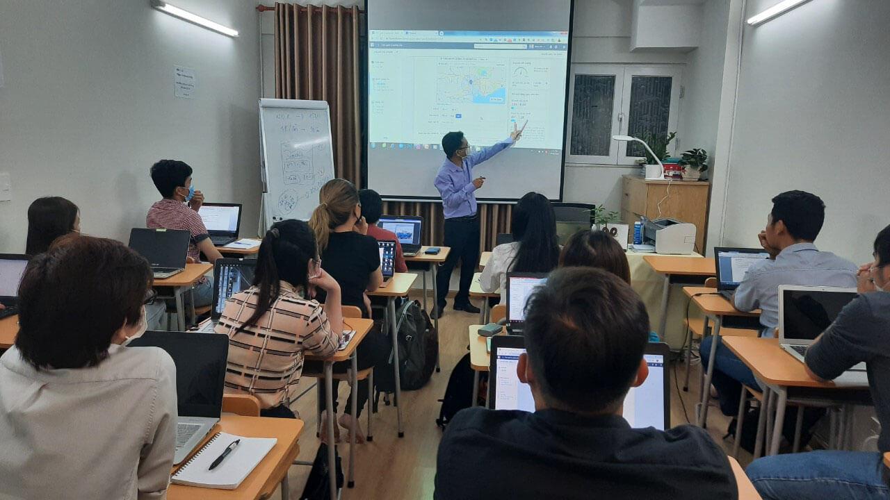 Khóa Học Kinh Doanh Online IMTA
