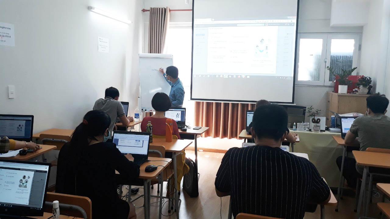 Lớp học kinh doanh online